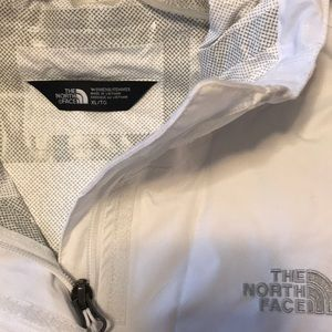 North Face dry vent water proof rain jacket